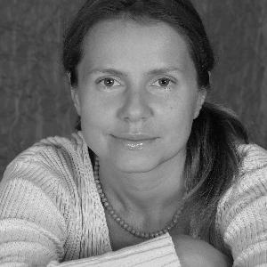 Олена Астахова
