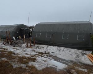 На полигоне ВДВ в Житомирской области горел палаточный городок - Цензор.НЕТ 2964
