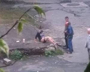 Занялись сексом посреди улицы порно онлайн