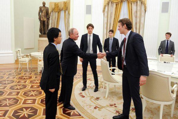 Епископ Тихон поведал овстрече Владимира Путина с английскими студентами