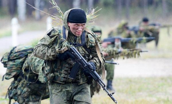 Неменее 20 русских военных отказались воевать наДонбассе— Конвоировали вРФ