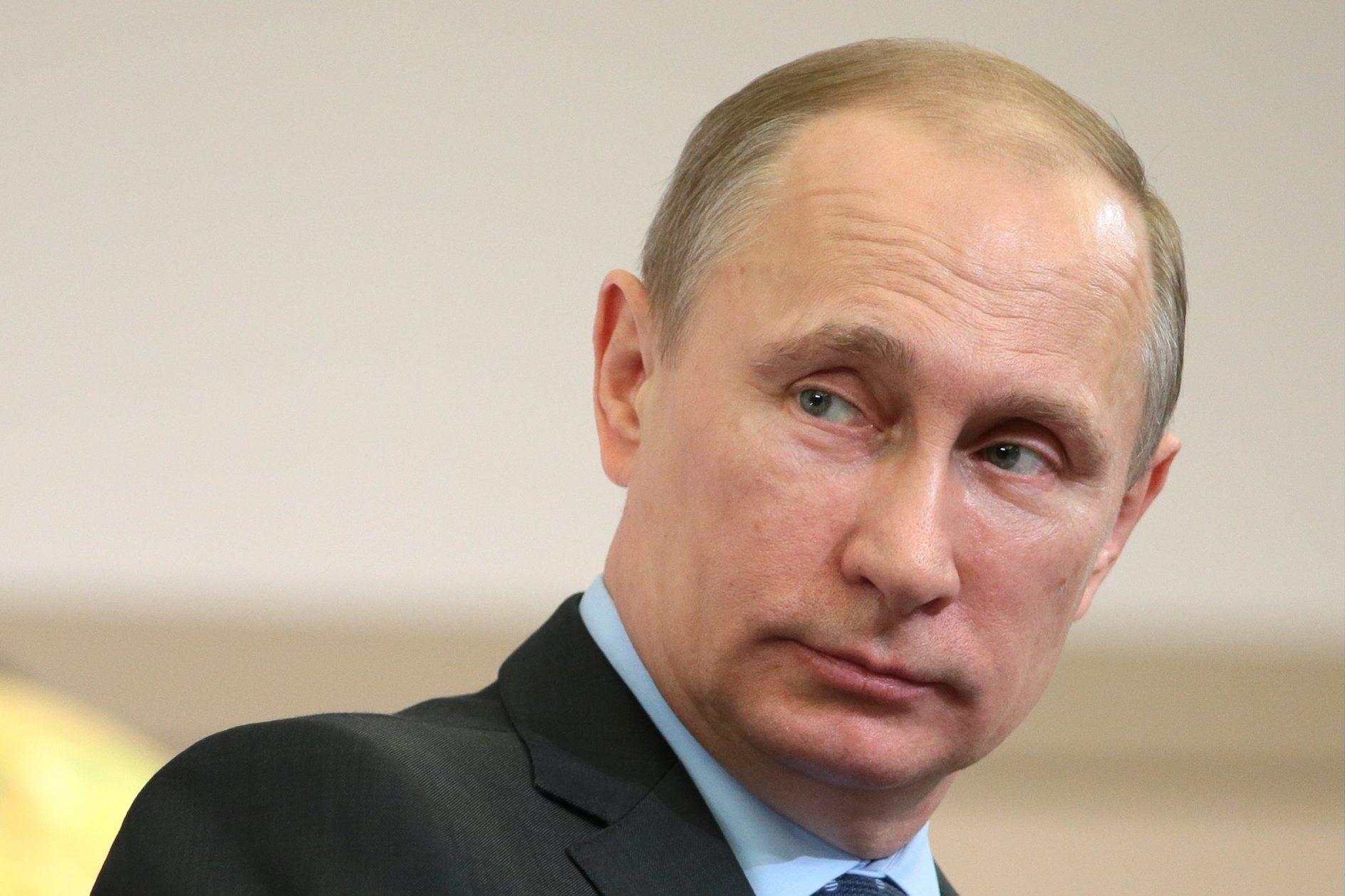 Полный тезка В. Путина заставил руководителя Госкомрегистра Крыма выступить сзаявлением