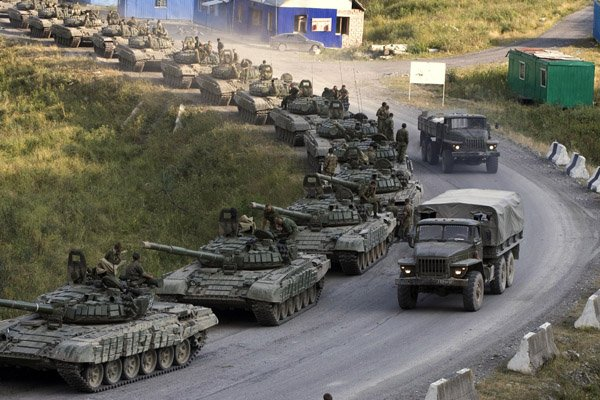 россия пригнала в иловайск танки
