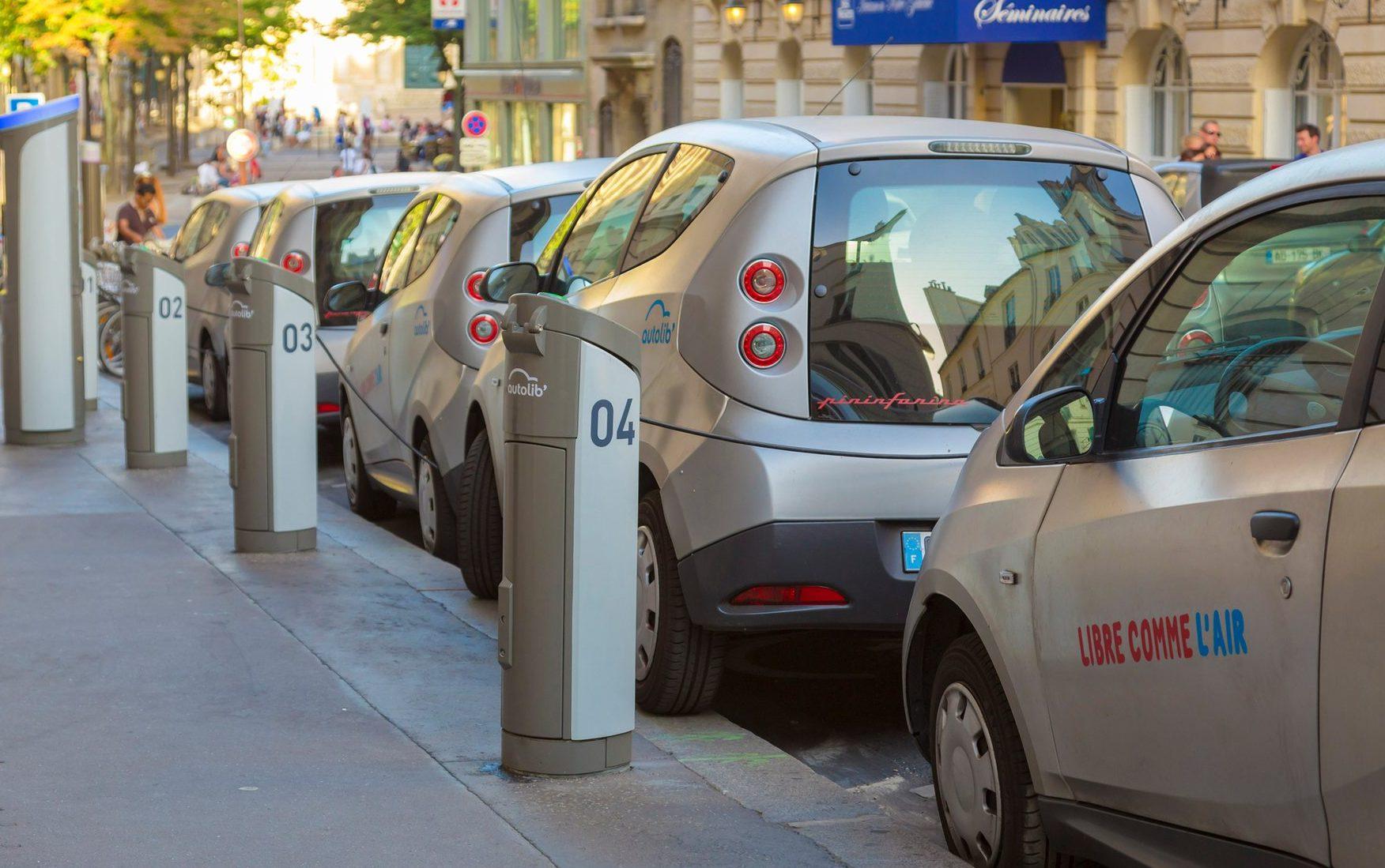 Зарядити електромобіль можна буде у квартирі