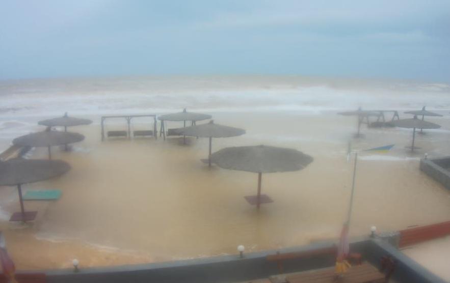 На Азовском море затопило курортные базы в Кирилловке Запорожской области