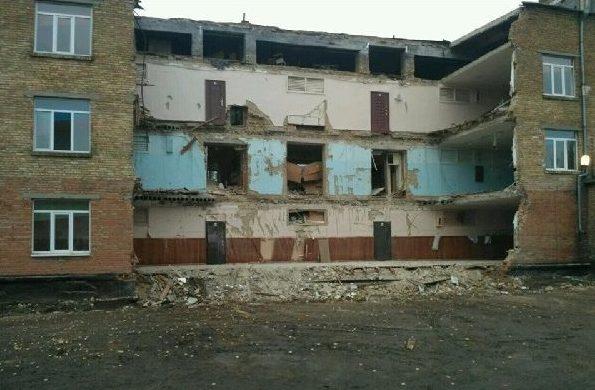 Обвал школи у Василькові