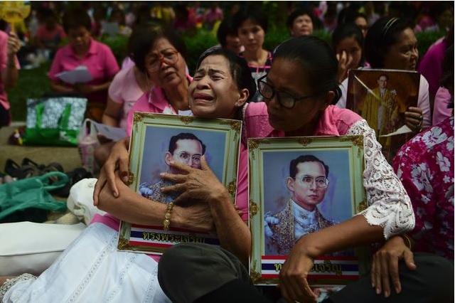Реакція Таїланду на смерть короля