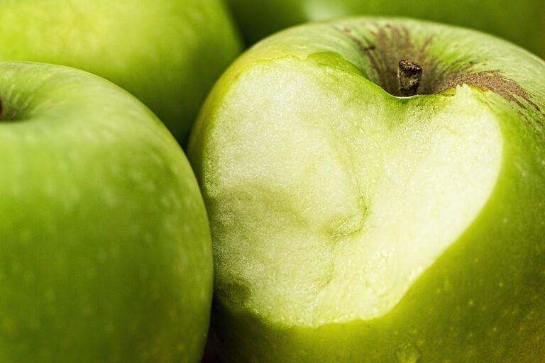 apple-1051018_960_720
