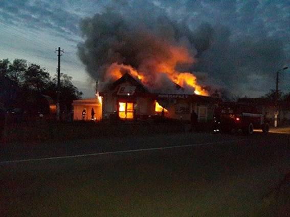 У Березані невідомий кинув вибухівку в магазин: є постраждалі
