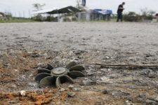 Війна на Донбасі: біля Мар'їнки стріляли зі стрілецької зброї та кулеметів крупного калібру