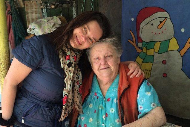 Бабуся Корольової їде з України через онуку