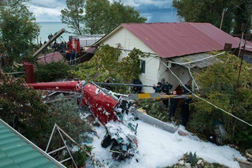 У Сочі вертоліт впав на будинок, є загиблий