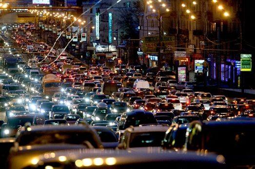 Київ завмер у 8-их пробках (КАРТА)