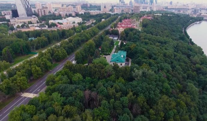 Друг Путіна живе в колишній резиденції Хрущова