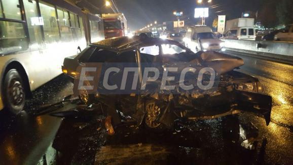 П'яне ДТП у Києві: авто розтрощено вщент