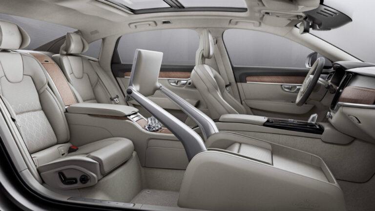Volvo випустила автомобіль без переднього сидіння
