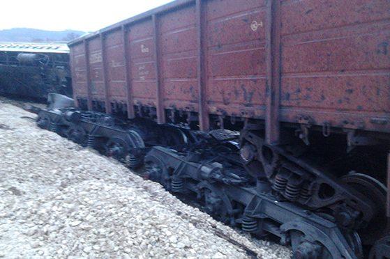 На Хмельниччині потяг зійшов із рейок через п'яного машиніста