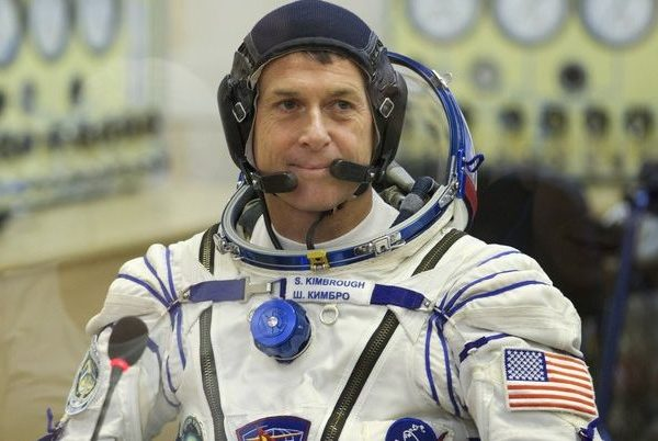 epa05591580 The International Space Station (ISS) crew member Shane Kimbrough of the US smiles during a check off his space suit during pre-launch preparations at the Baikonur cosmodrome, Kazakhstan, October 19, 2016. The Soyuz MS-02 mission to the ISS is scheduled for 19 October 2016.  EPA/IVAN SEKRETAREV/POOL
