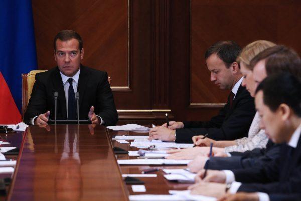 Сечин: приватизация «Роснефти» идёт поплану, невзирая наарест Улюкаева