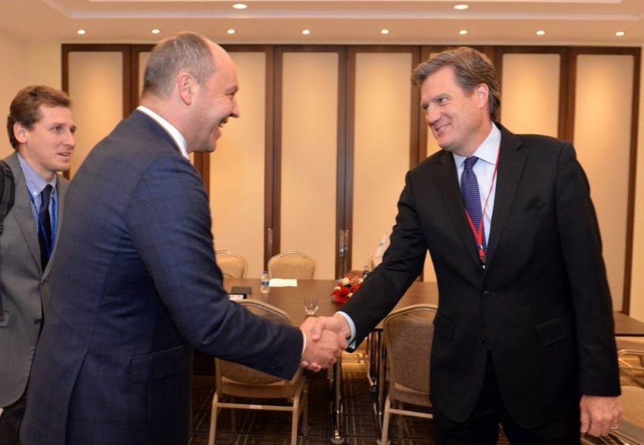 Украина желает видеть временные рамки для членства вНАТО— Парубий