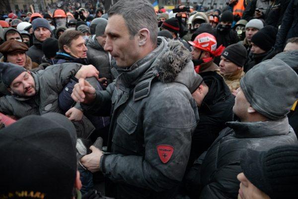 Виталий Кличко пытался остановить демонстрантов, но безуспешно