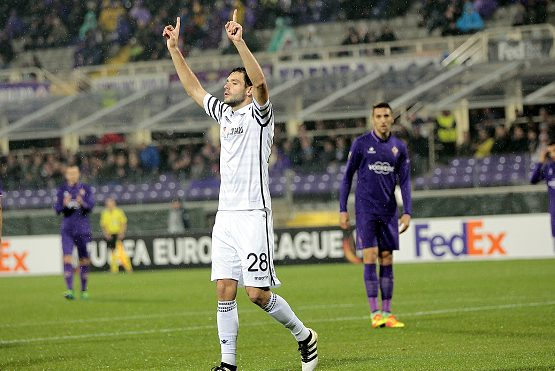 FLORENCE, ITALY - NOVEMBER 24: Yevhen Shakhov of PAOK FC celebrates after scoring a goal during the UEFA Europa League match between ACF Fiorentina and PAOK FC at Stadio Artemio Franchi on November 24, 2016 in Florence, .  (Photo by Gabriele Maltinti/Getty Images)