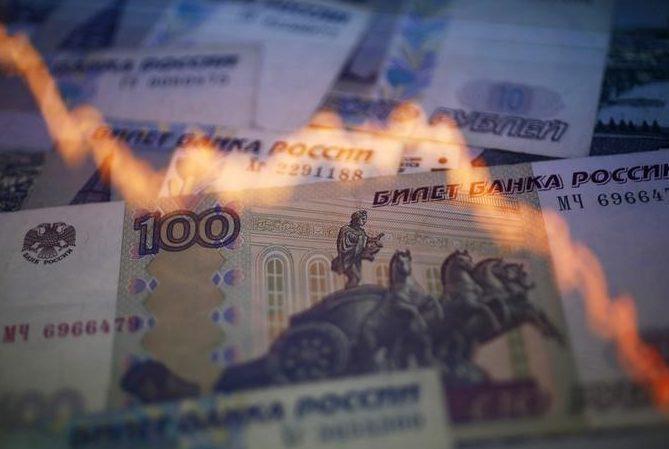 Обязательно ли гривне повторять курс рубля?