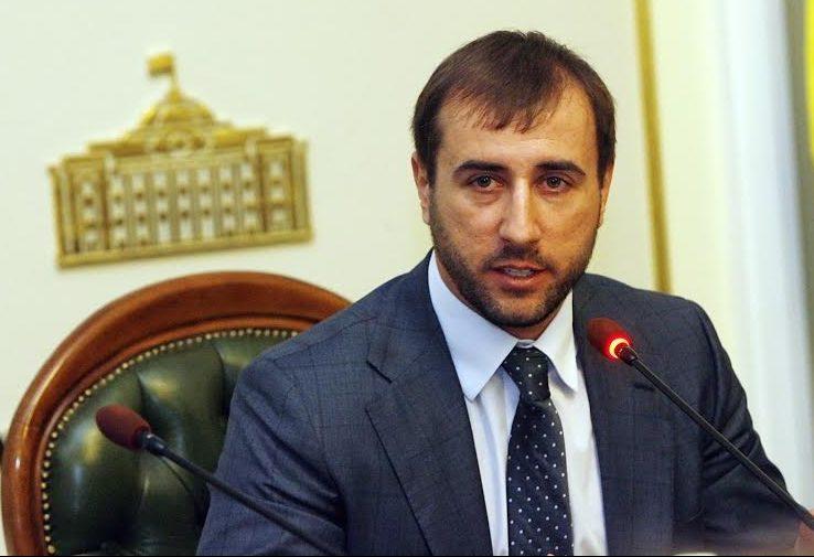 Днепропетровский нардеп требует уточнить сроки увольнения главы НБУ