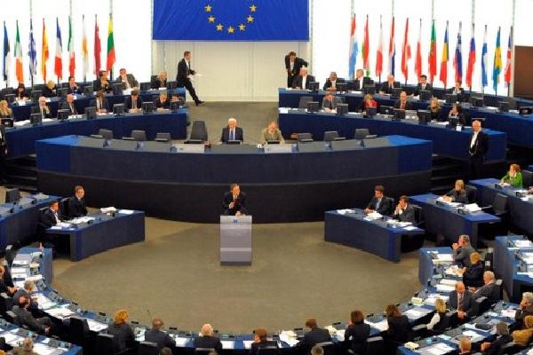 Комитет Европарламента официально утвердил механизм приостановления безвиза