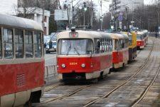 A tram derails on Dekhtiarevska Street in Kyiv.