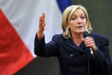 1472915050_marin_le_pen_poobeshala_francuzam_referendum_o_vihode_iz_es