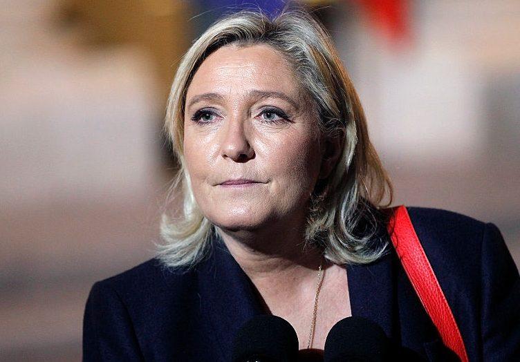 Франция может изменить евро нафранк, если выборы выиграет Марин ЛеПен