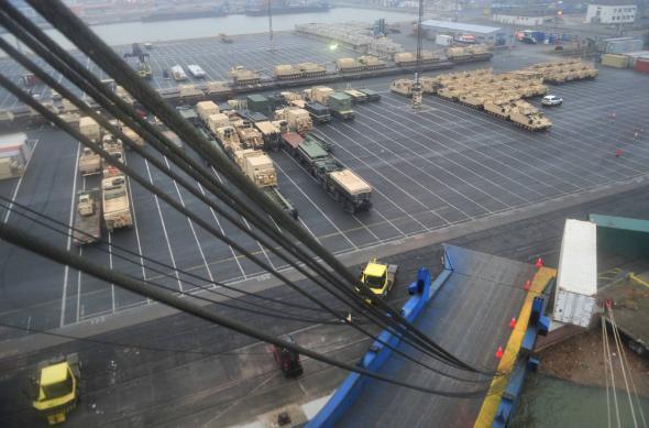 Нові поставки військового устаткування зі США в Україну почнуться найближчими місяцями, - Волкер - Цензор.НЕТ 9276
