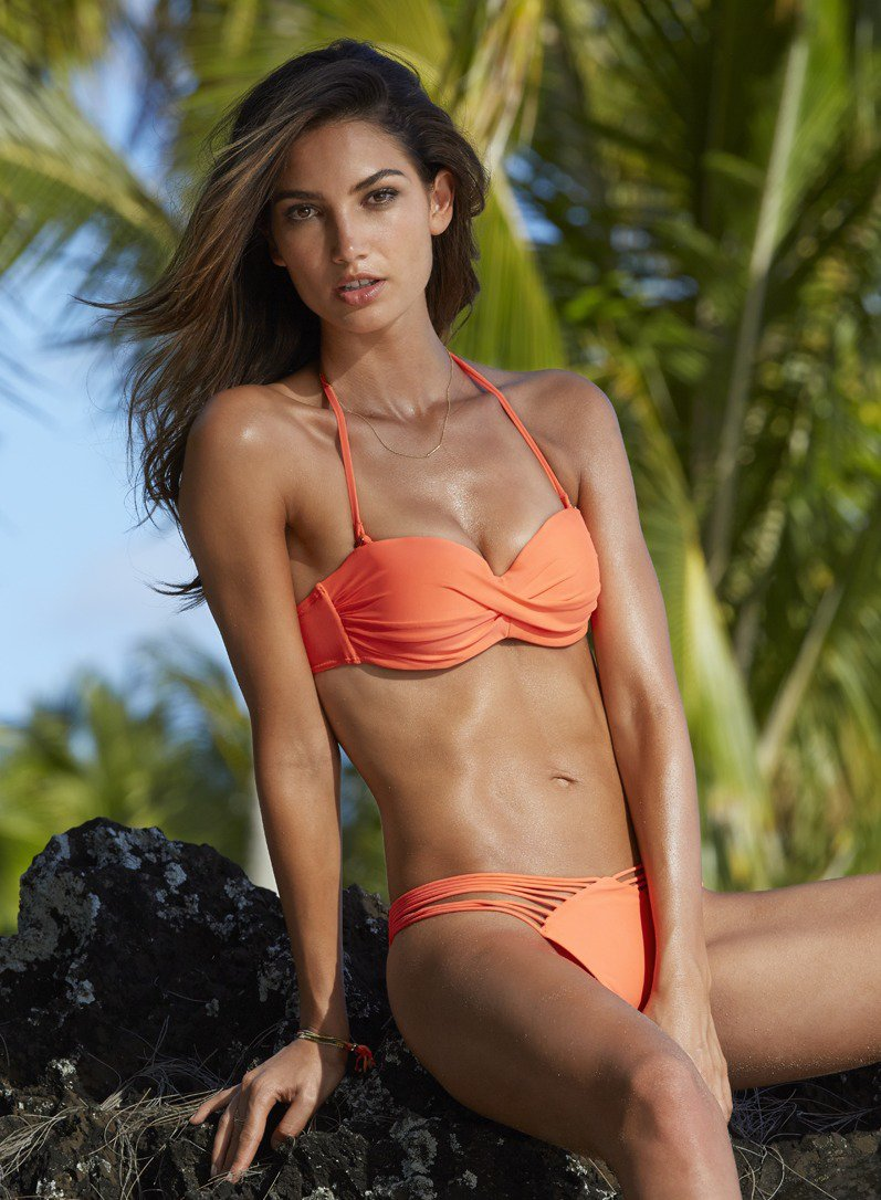 lily-aldridge-hot-in-swimsuit1