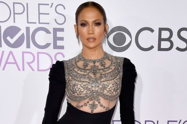 jennifer-lopez-peoples-choice-awards-2017