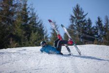 33472352 - skier fell during the descent from the mountain