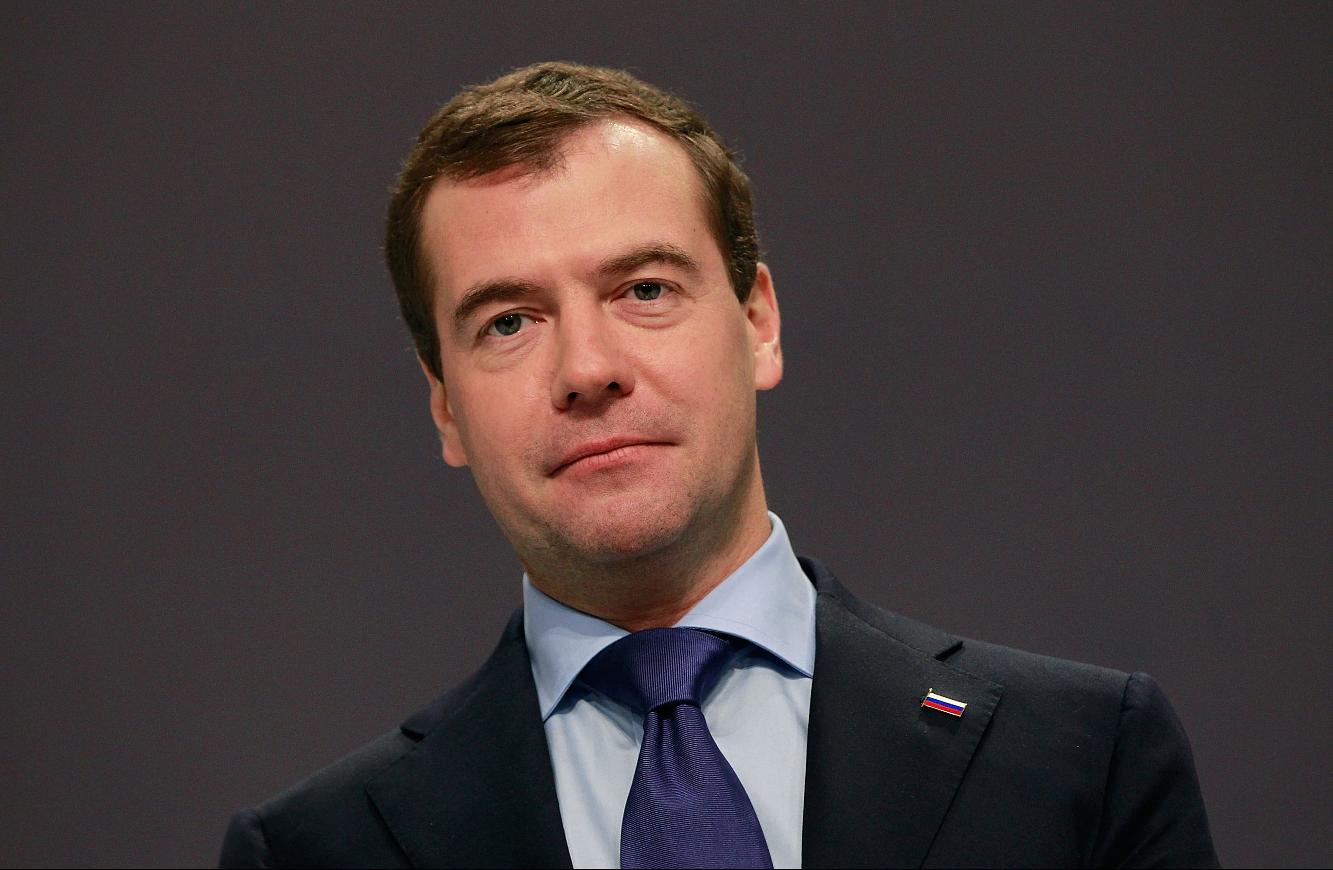 Пора прощаться силлюзиями оснятии санкций— Медведев прозрел