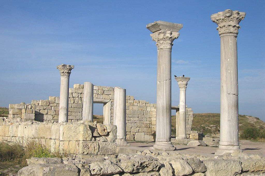 РПЦ отыскала разницу между передачей Исаакиевского храма и«Херсонеса»