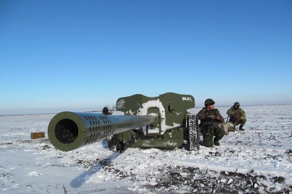 Боевики атакуют украинские позиции наДонбассе— среди военных тяжелые потери