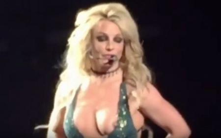 Случайно показала грудь смотреть онлайн фото 637-317
