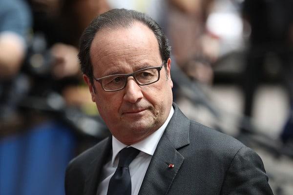 Впроцессе выступления Олланда охрана президента случайно открыла огонь