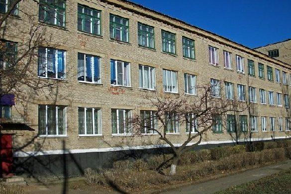 Пьяные боевики «ЛНР» грозили учащимся иучителям физической расправой