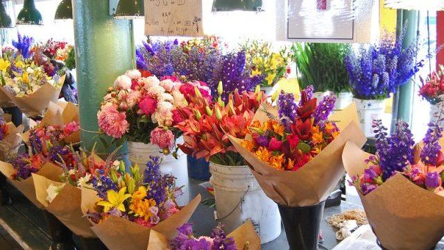 какие цветы дарить на 8 марта