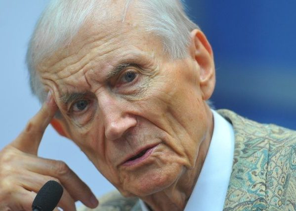 Поэт Евгений Евтушенко скончался восне