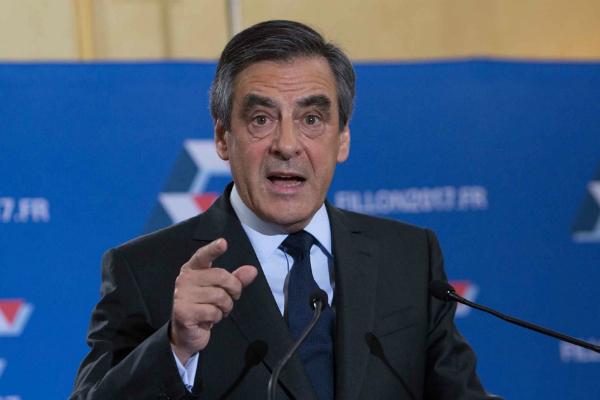 Politico поведала, как ЛеПен может одолеть навыборах воФранции