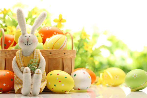 Христос Воскрес!. Квоут.     Поздравляем вас с праздником Пасхи!   В церкви что-то произошло, и батюшке нужна твоя помощь!   В Русском Парке появ