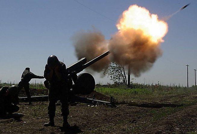 Взоне АТО засутки умер один украинский военный, трое получили ранения,