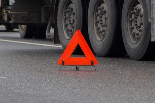 ВХарьковской области под колесами фургона умер мэр города Дергачи
