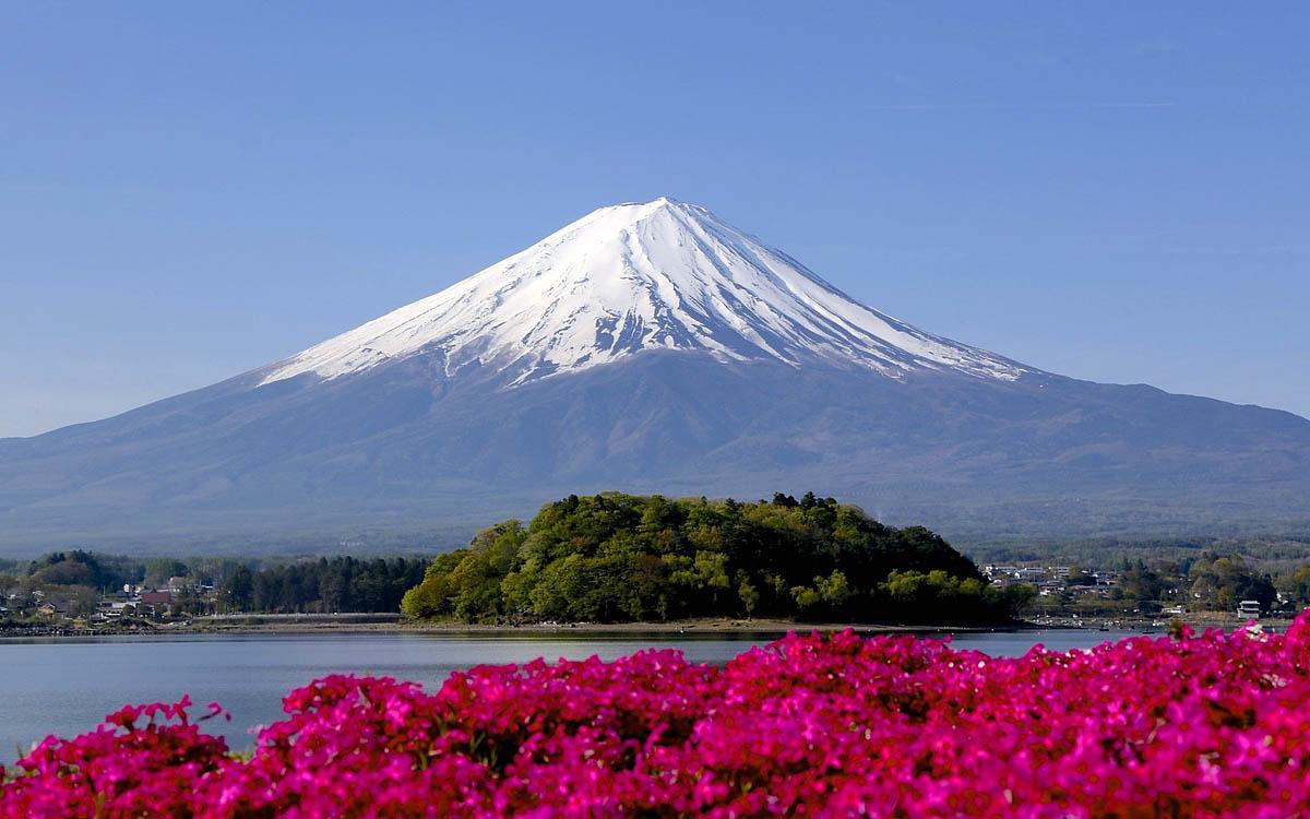 """Результат пошуку зображень за запитом """"виверження гори Фудзі в Японії"""""""