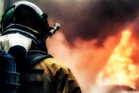 У Франківську на пожежі ледь не згорів чоловік